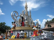 parade-magic-kingdom-orlando-florida