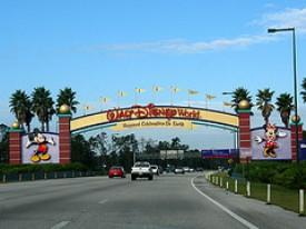 entrance-magic-kingdom-orlando-florida