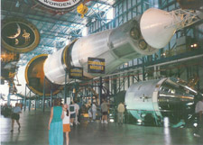 saturn5-rocket-kennedy-space-center-florida