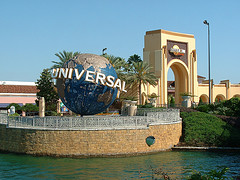 universal-studios-entrance-orlando-florida
