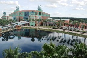 walt-disneys-swan-dolphin-hotel-orlando-florida