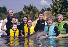 family-discovery-cove-seaworld-orlando